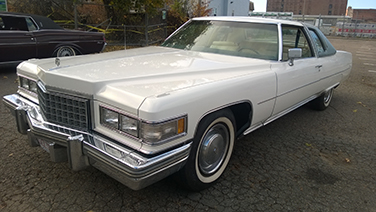 1976-cadillac-coupe-deville-front